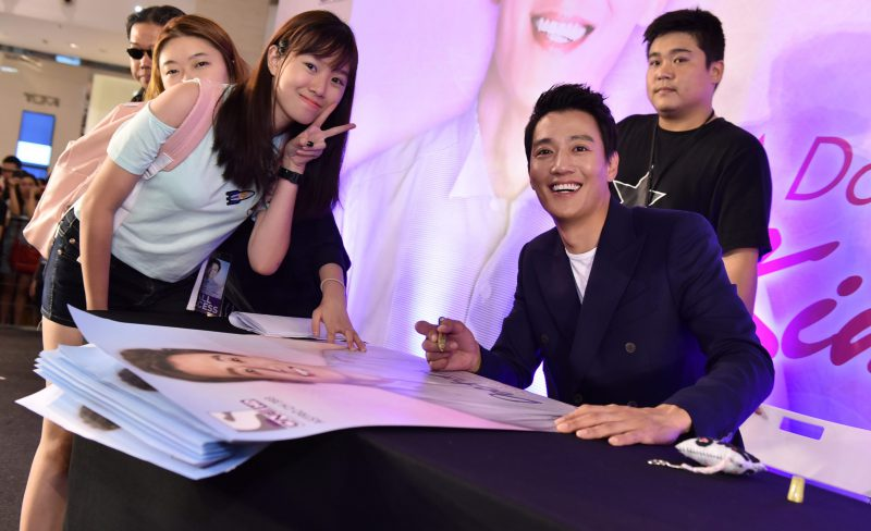 Kim Rae Won From Hit Drama, Doctors, Charms Malaysian Fans | Pamper My