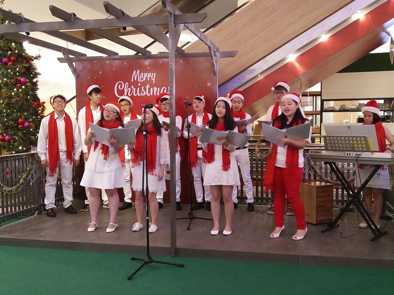 Christmas Caroling.Do Not Miss The Christmas Caroling Performance By The