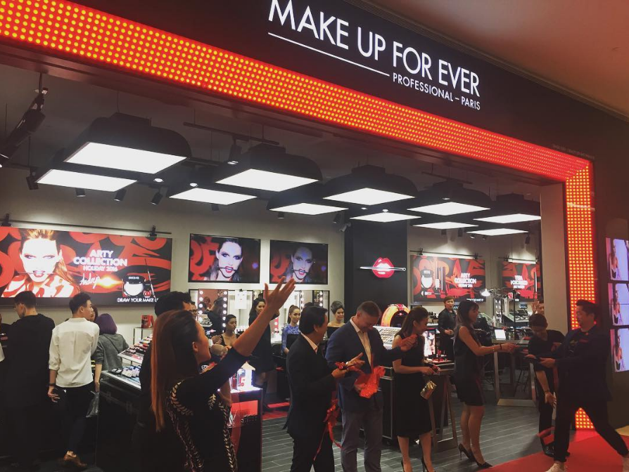 Make Up For Ever Pro Boutique First